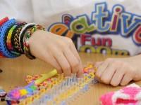 Поделки из резинок: как сделать ремешки, браслеты, игрушки и украшения своими руками + 86 фото-идей
