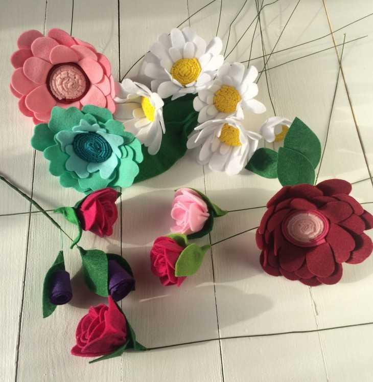 Как сделать из цветы из фетра своими руками 852