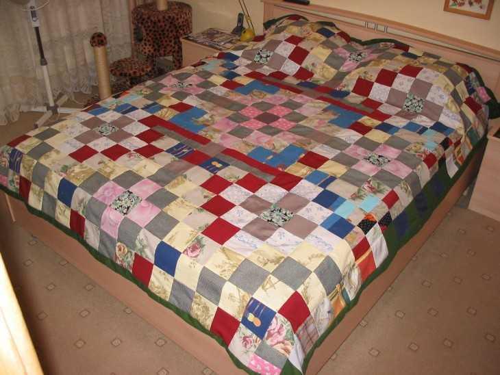 Как сшить покрывало на кровать из лоскутков 44
