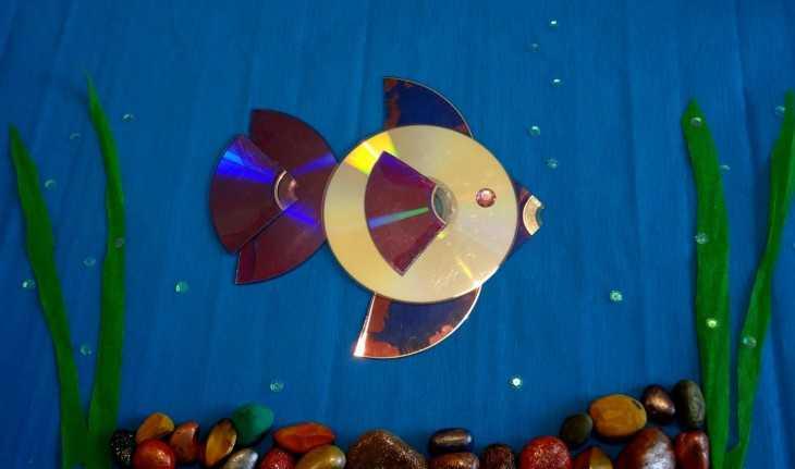 Рыбки из дисков для сада и огорода своими руками