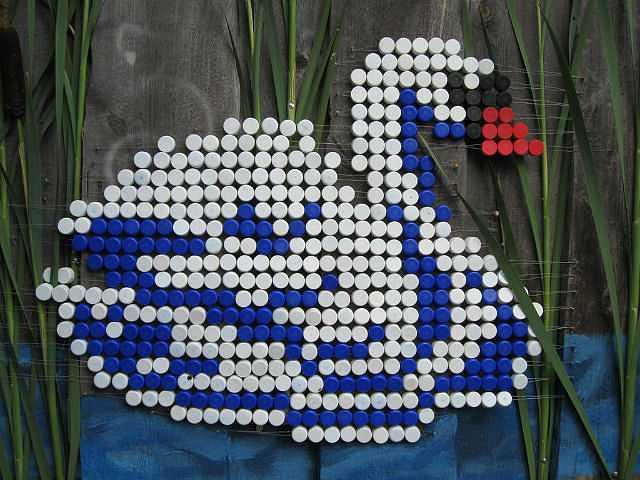 Поделки из пластиковых крышек своими руками для сада фото