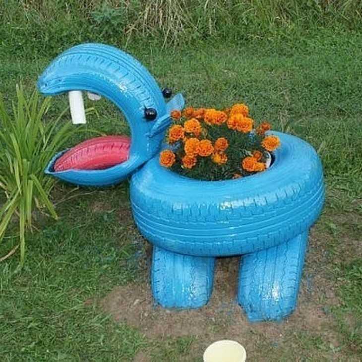 Поделки из колес для сада и огорода
