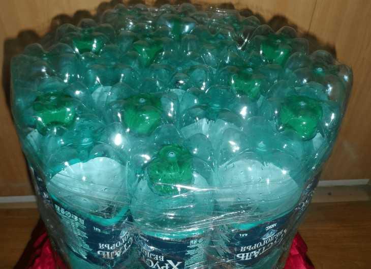 Как сделать из пустых пластиковых бутылок пуфик