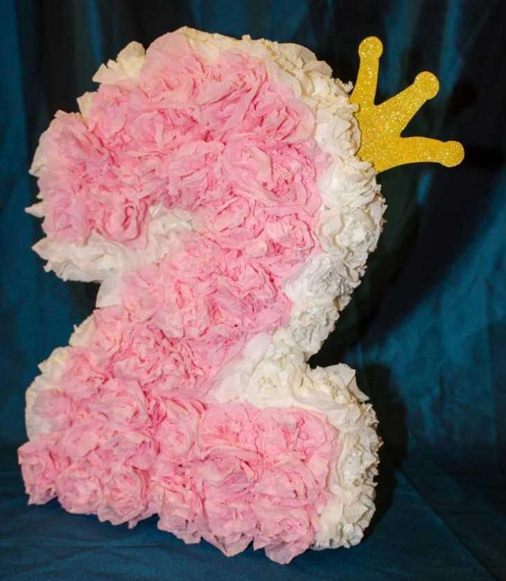 Цифра 2 на день рождения своими руками из салфеток для девочки