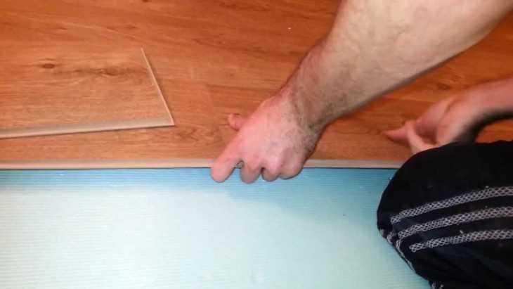 Укладка ламината своими руками пошаговая инструкция ютуб 29