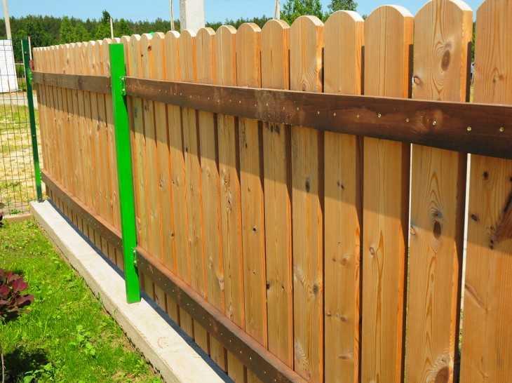 Построить забор своими руками из сетки рабицы 20