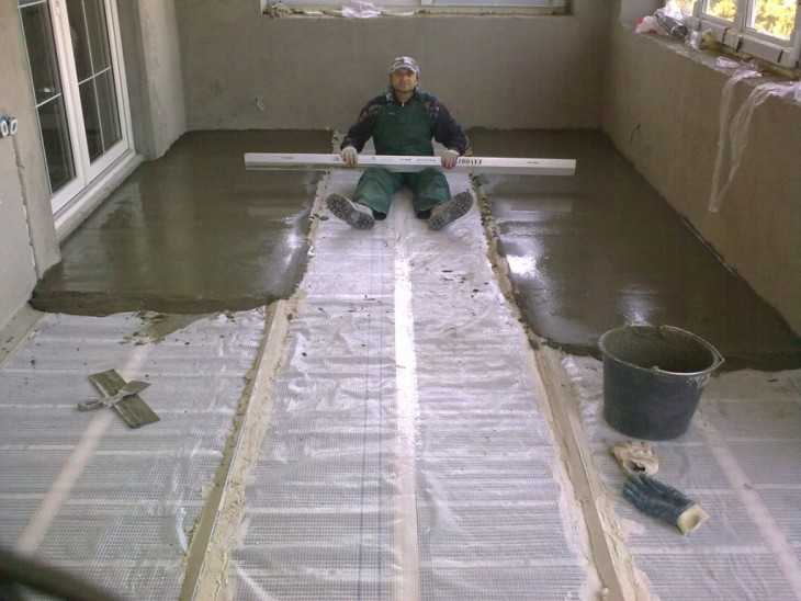 Как сделать стяжку пола под плитку на деревянный пол